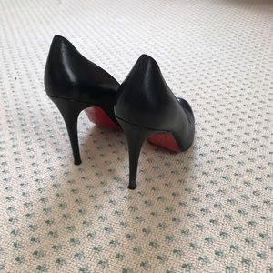 Barely worn Christian Louboutin black heels